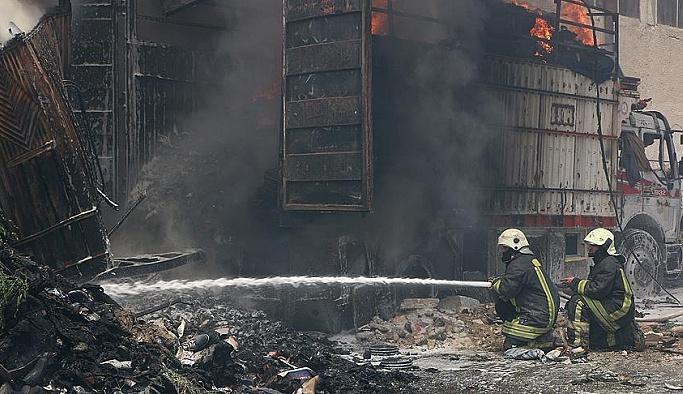 Halep'te hava saldırısı: 10 ölü 15 yaralı