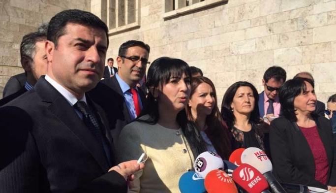 HDP'den açıklama: Darbe kabul edilemez