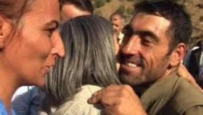 HDP'lilerle kucaklaşan PKK'lı Menbiç'te