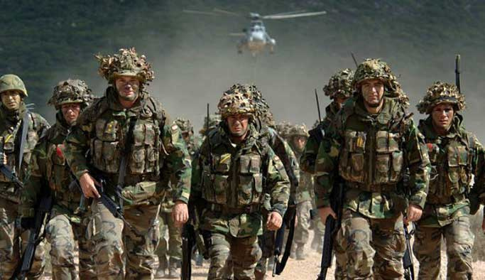 İngiltere Rusya'ya karşı asker gönderecek