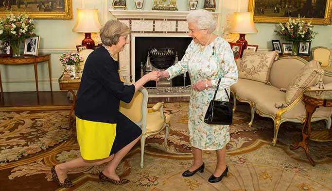 İngiltere yeni başbakanı göreve başladı