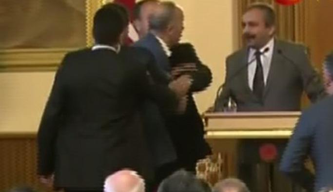 İşadamları, 'Sayın Öcalan' diyen Önder'in üzerine yürüdü