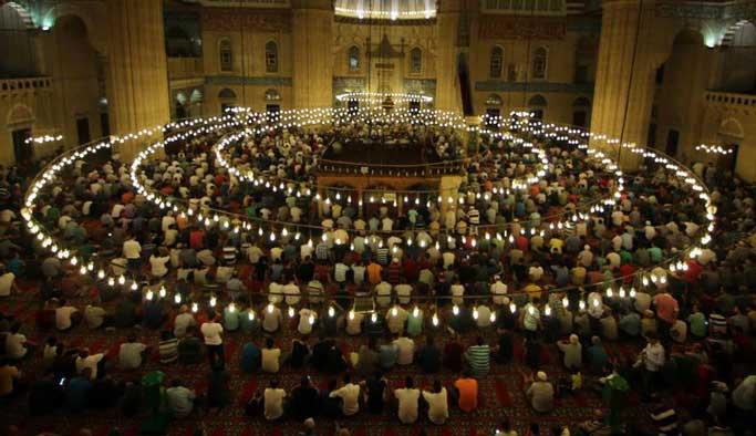 İslam alemi Kadir Gecesi'ni idrak etti
