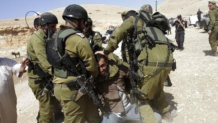 İsrail Filistinli bir kişiyi öldürdü