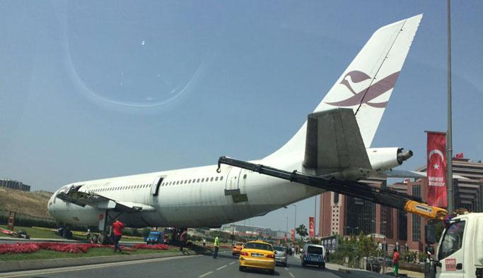 İstanbul'da otoyola inen uçağın sırrı çözüldü