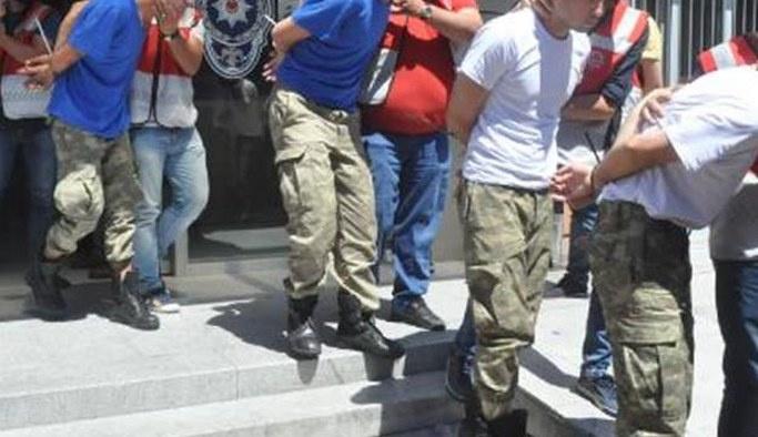 İzmir'de 23 şüpheli asker adliyeye sevk edildi