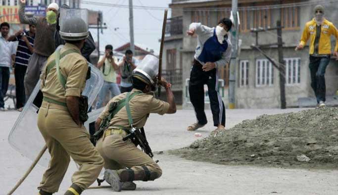 Keşmir'de gerilim yükseliyor; ölü sayısı 35'e yükseldi