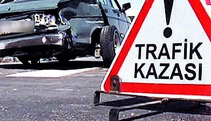 Kontrolsüz kavşakta trafik kazası: 1 ölü, 9 yaralı