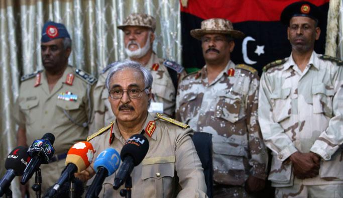 Libya'daki isyancı general 'batı destekli' çıktı