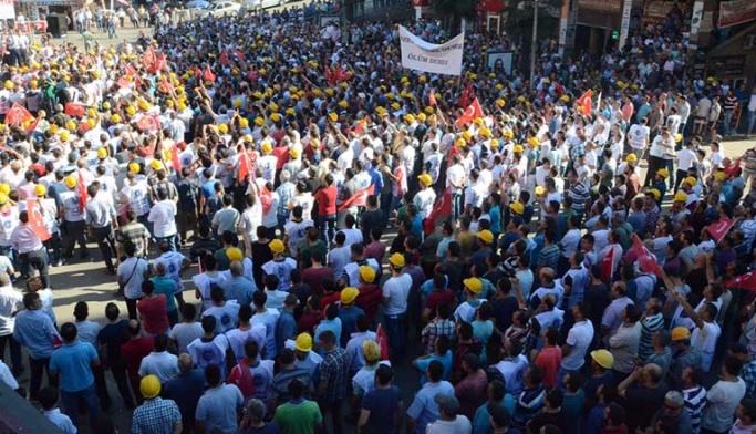 Maden işçileri özelleştirmeye karşı yürüdü