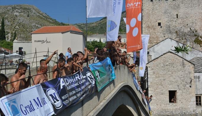Mostar Köprüsü'nde 450. geleneksel atlama yarışları