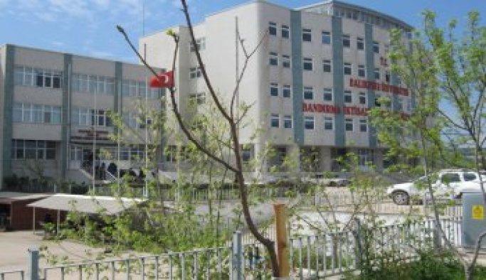 Onyedi Eylül Üniversitesinde 12 akademik ve idare personel görevden alındı