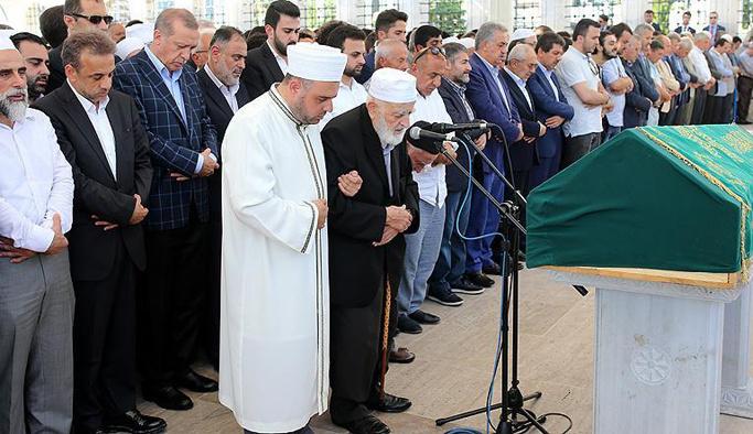 Osman Nuri Önügören toprağa verildi