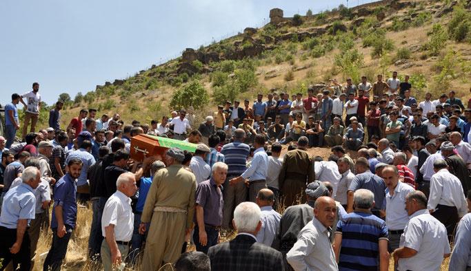 PKK'nın öldürdüğü iki çocuk toprağa verildi