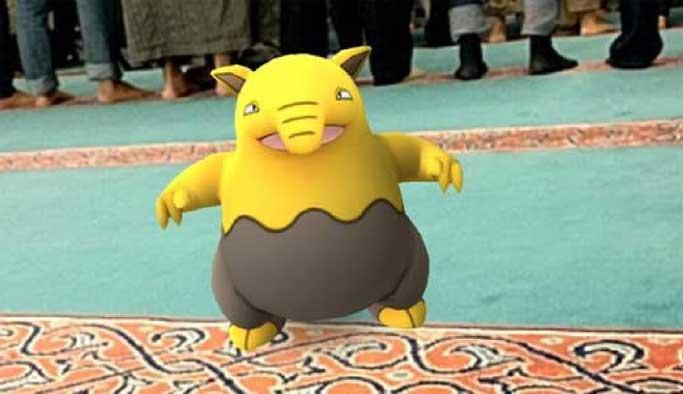 Pokemon Go'nun peşinden camiye girdiler