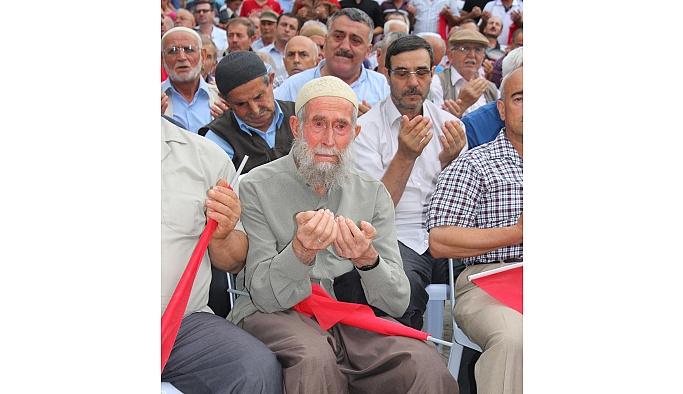 Şehitlerimize Meydanı'nda Kur'an-ı Kerim okundu