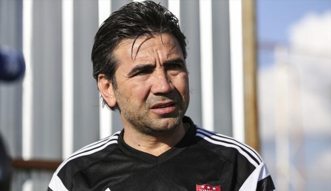 Sivasspor Teknik Direktörü Özköylü: