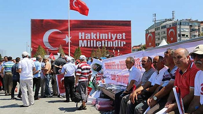 CHP'nin gecikmeli 'darbe karşıtı mitingi' başlıyor