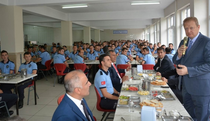 Trabzon Valisi Yavuz'dan, Polis Meslek Eğitim Merkezi'ne ziyaret