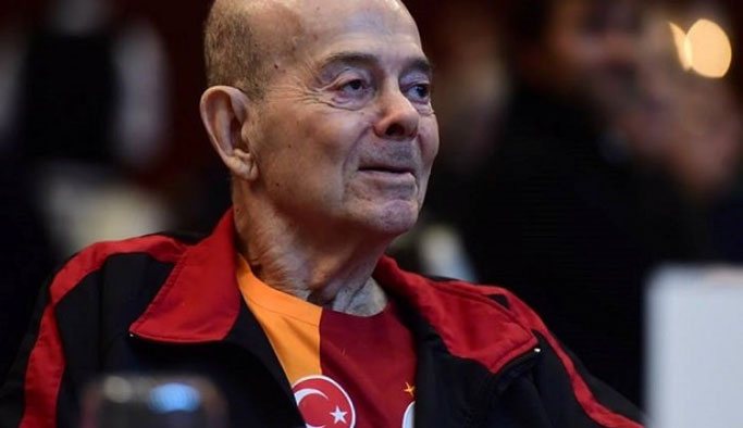 Turgay Şeren hayatını kaybetti