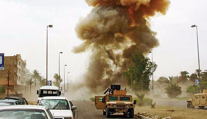 Afganistan'da milletvekili konvoyuna saldırı
