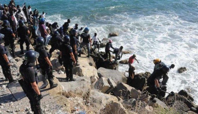 Akdeniz'de sığınmacı geçişleri