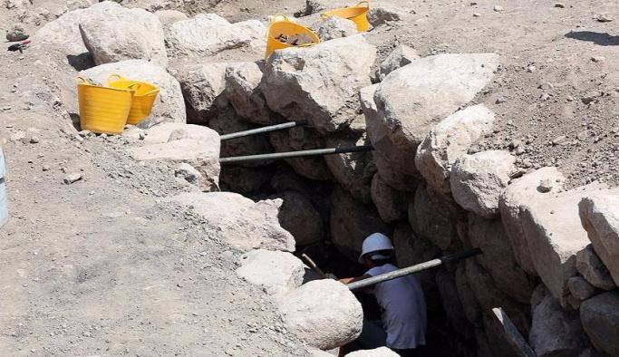 Alacahöyük'te 2 bin 300 yıllık gizli geçit