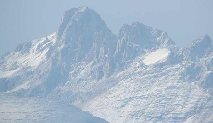 Aladağlar'a ağustosta kar yağdı