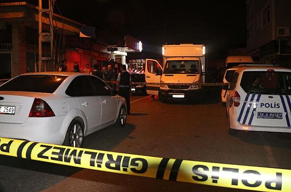 İstanbul'da eşkıya şehre indi: Bir çocuk öldü