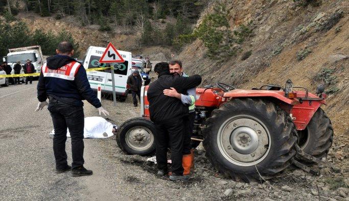 Babasının kullandığı traktörün altında kalan çocuk öldü