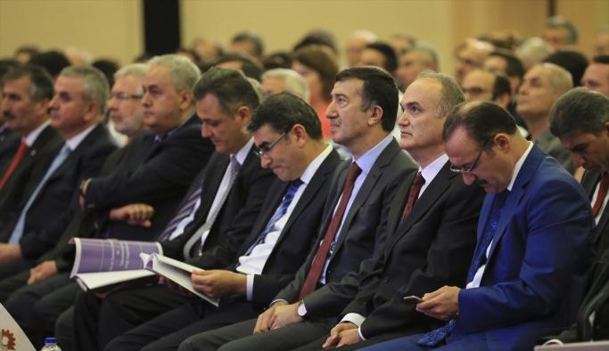 Bakan Özlü: 'Türkiye'yi Ar-Ge cenneti yapalım'