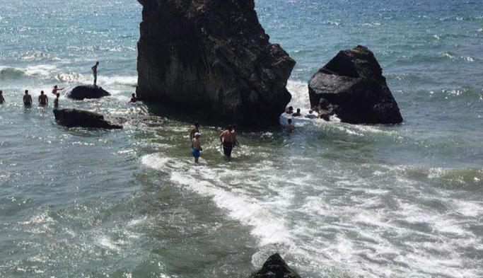Bartın'da 6 genç dalgalara kapıldı
