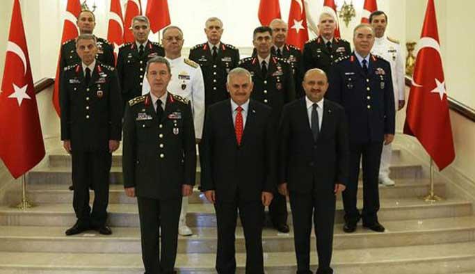 Bazı darbeci subaylar YAŞ'ta terfi listesindeydi