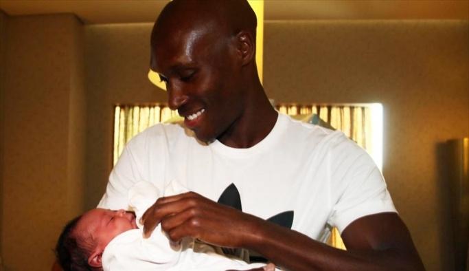Beşiktaşlı Hutchinson, ikinci kez baba oldu