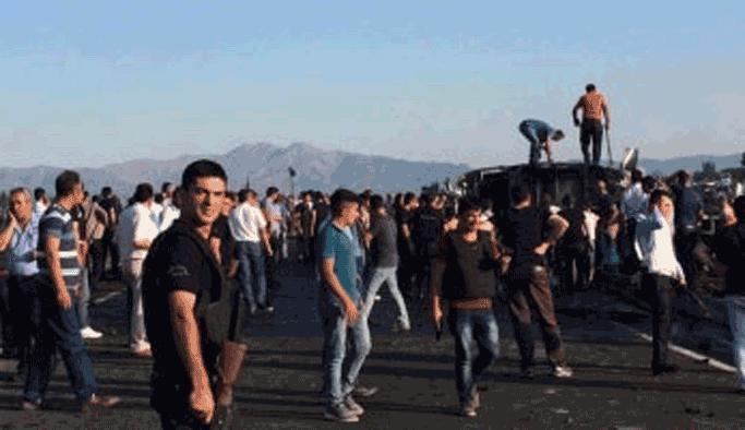 Bingöl'de bomba yüklü araçla saldırı: 5 şehit