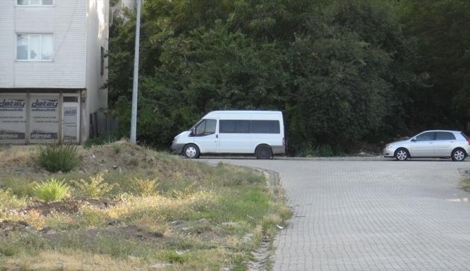 Bitlis'te bomba yüklü araç bulunması