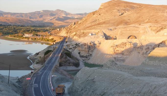 Bölünmüş yol inşaatında