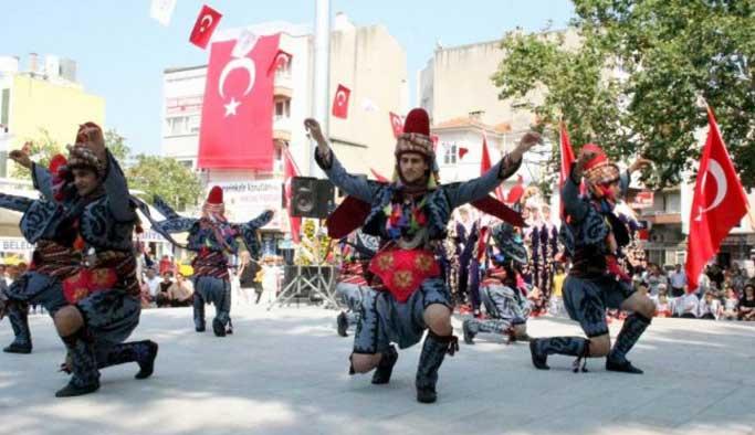 Burhaniye Kültür ve Sanat Festivali başladı