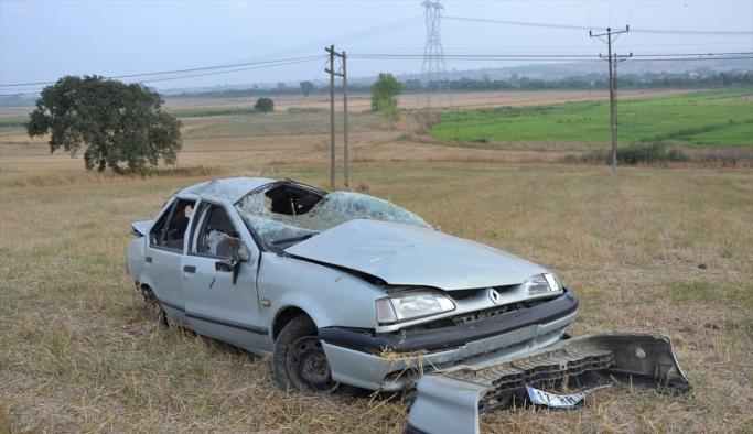 Çanakkale'de otomobil devrildi: 4 yaralı