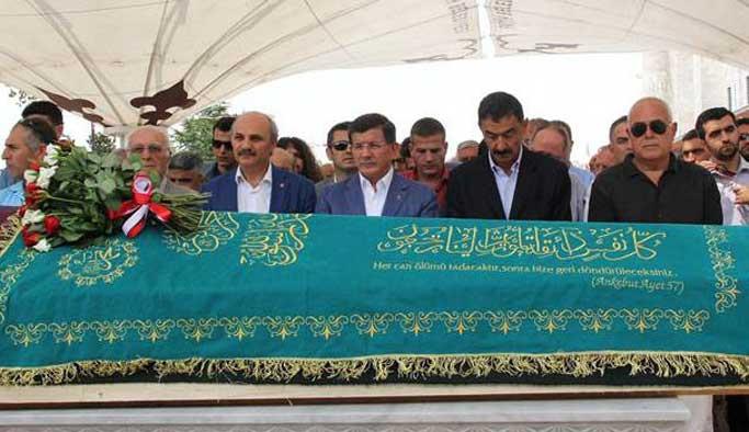 Cenaze töreninde Davutoğlu'na ölüm tehdidi