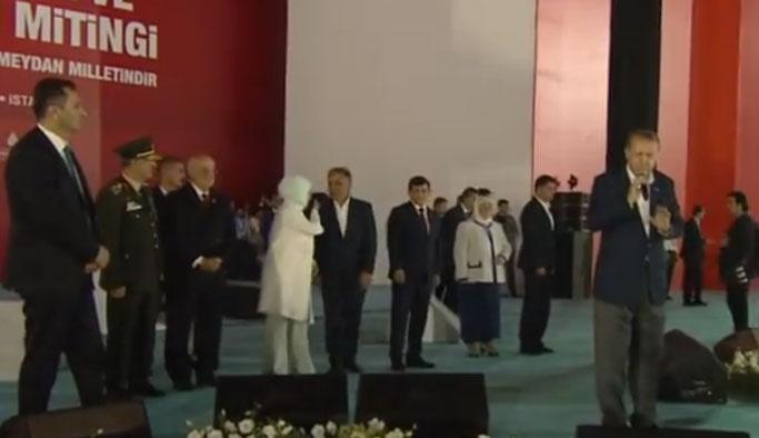 CHP ve MHP'den Yenikapı'daki 'selamlamama' açıklaması