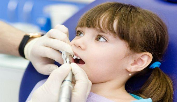 'Çocukluktaki diş travmaları kalıcı hasarlara sebep olabilir'