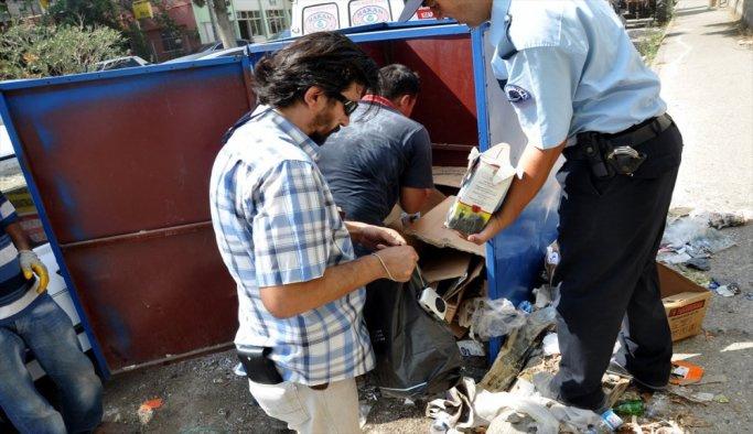 Çöpte elebaşı Gülen'in yayınları bulundu