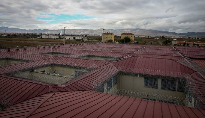 Darbecilerin hesap vereceği salon inşa ediliyor