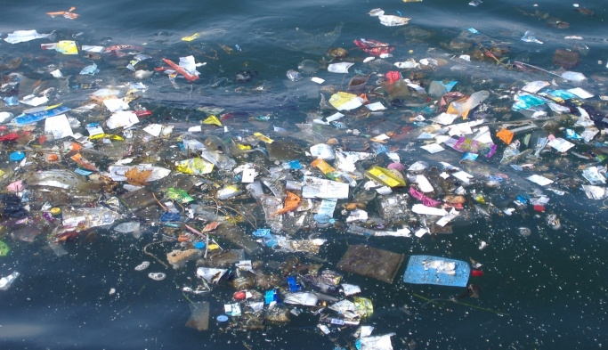 Denizlerden 200 bin poşet çöp toplandı