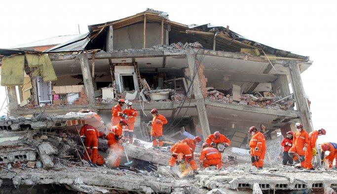 Depremler, Türkiye'de 94 bin can aldı