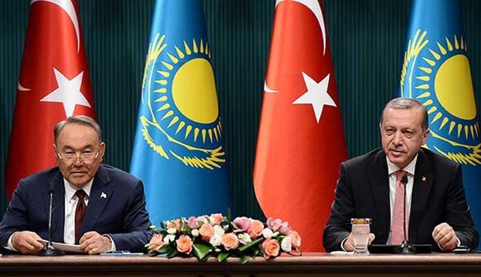 Erdoğan'dan Nazarbayev'e 'FETÖ herkese ihanet eder' mesajı