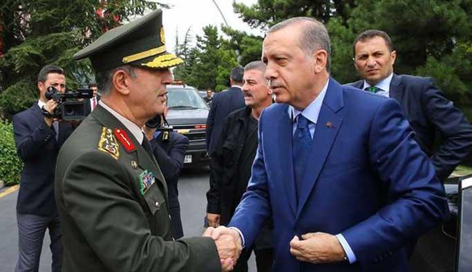 Erdoğan darbeden sonra ilk kez karargahta