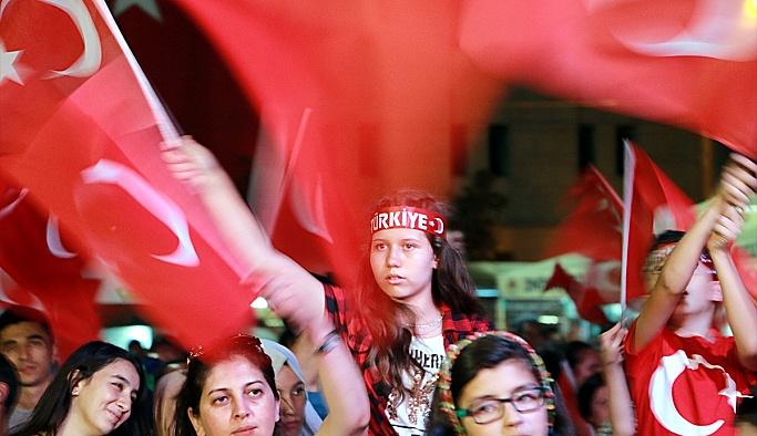 Eskişehirde demokrasi nöbeti devam ediyor
