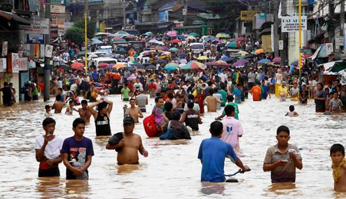 Filipinler'de muson yağmurları can aldı